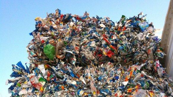 plastic_recycling_creditjmacpherson_flickr